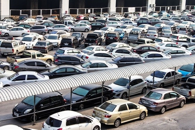parking-car-in-bangkok